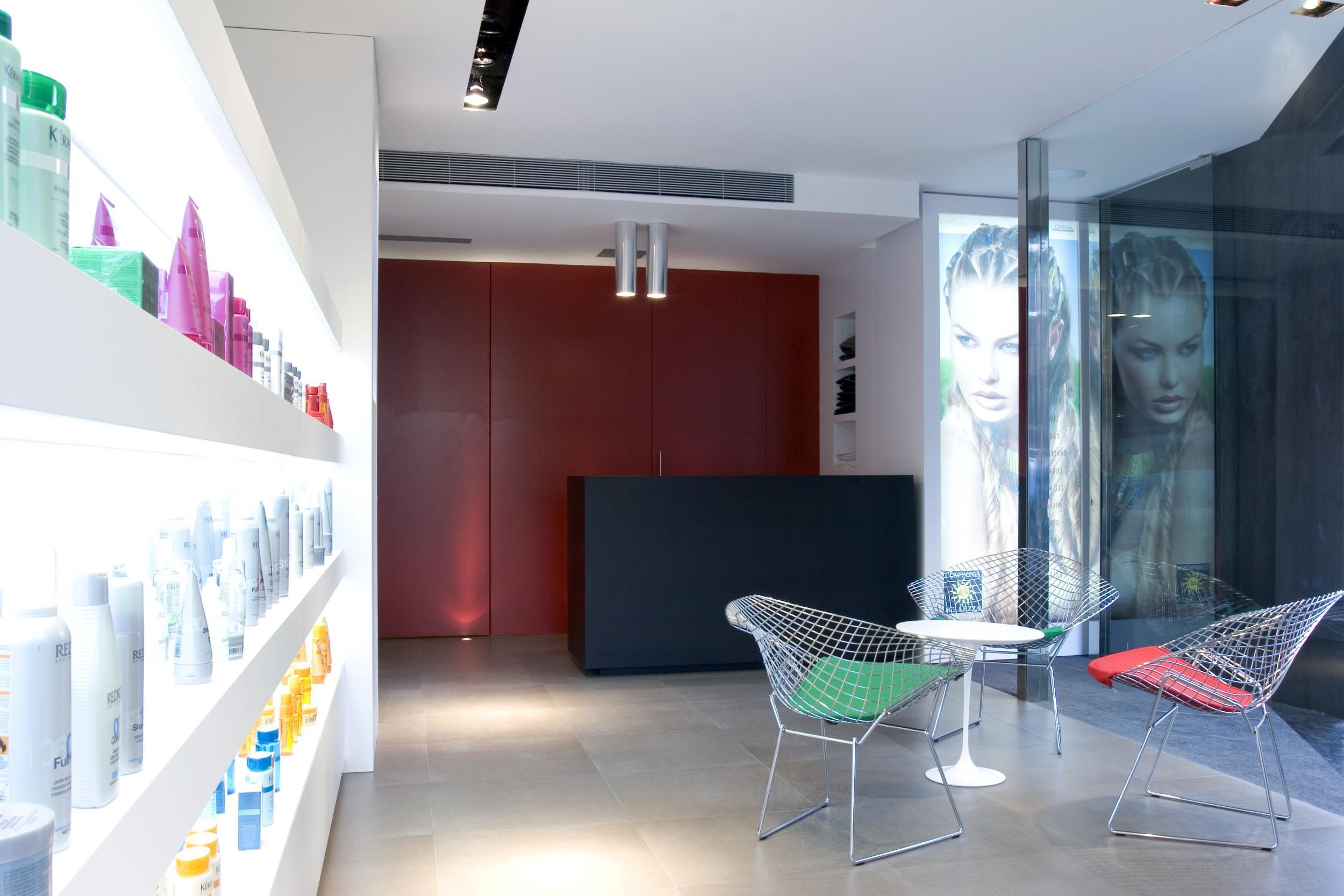 Peluquer a compagnia de la bellezza vilablanch estudio de arquitectura interior situado en - Proyecto de peluqueria ...