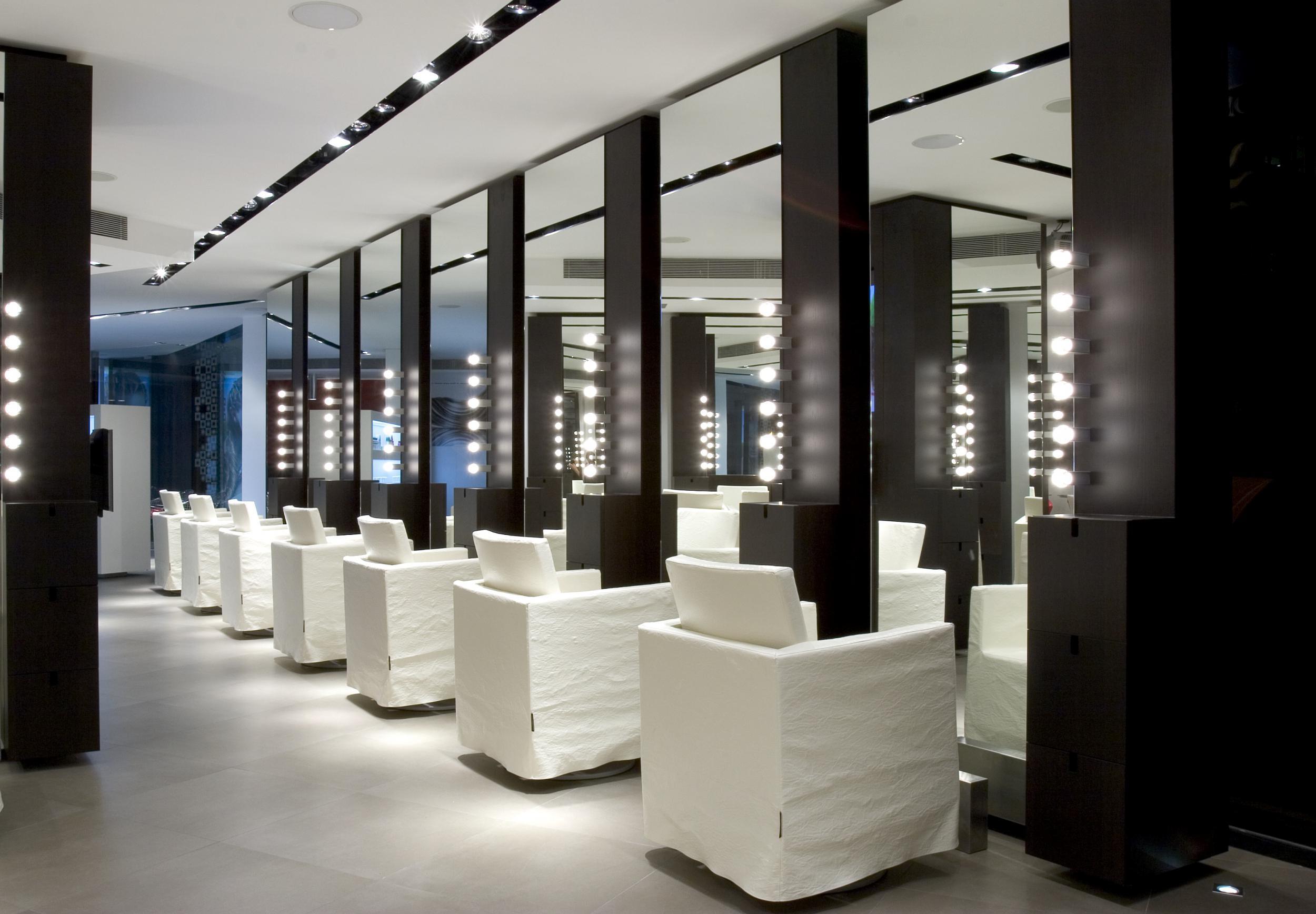 Hair Salon Quot Compagnia De La Bellezza Quot Vilablanch Estudio De Arquitectura Interior Situado En