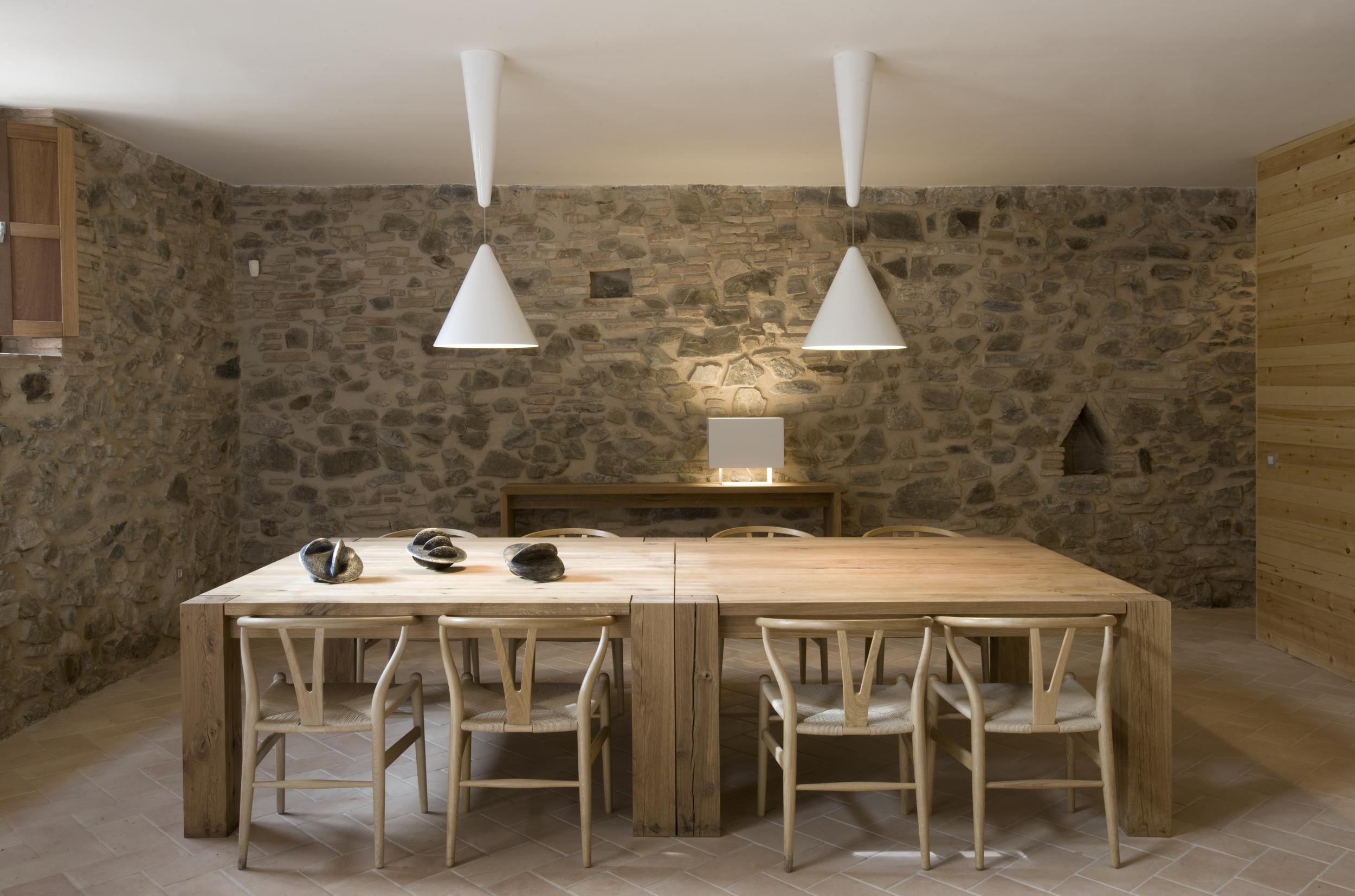 Housing and winery in the priorat region vilablanch for Arquitectura interior