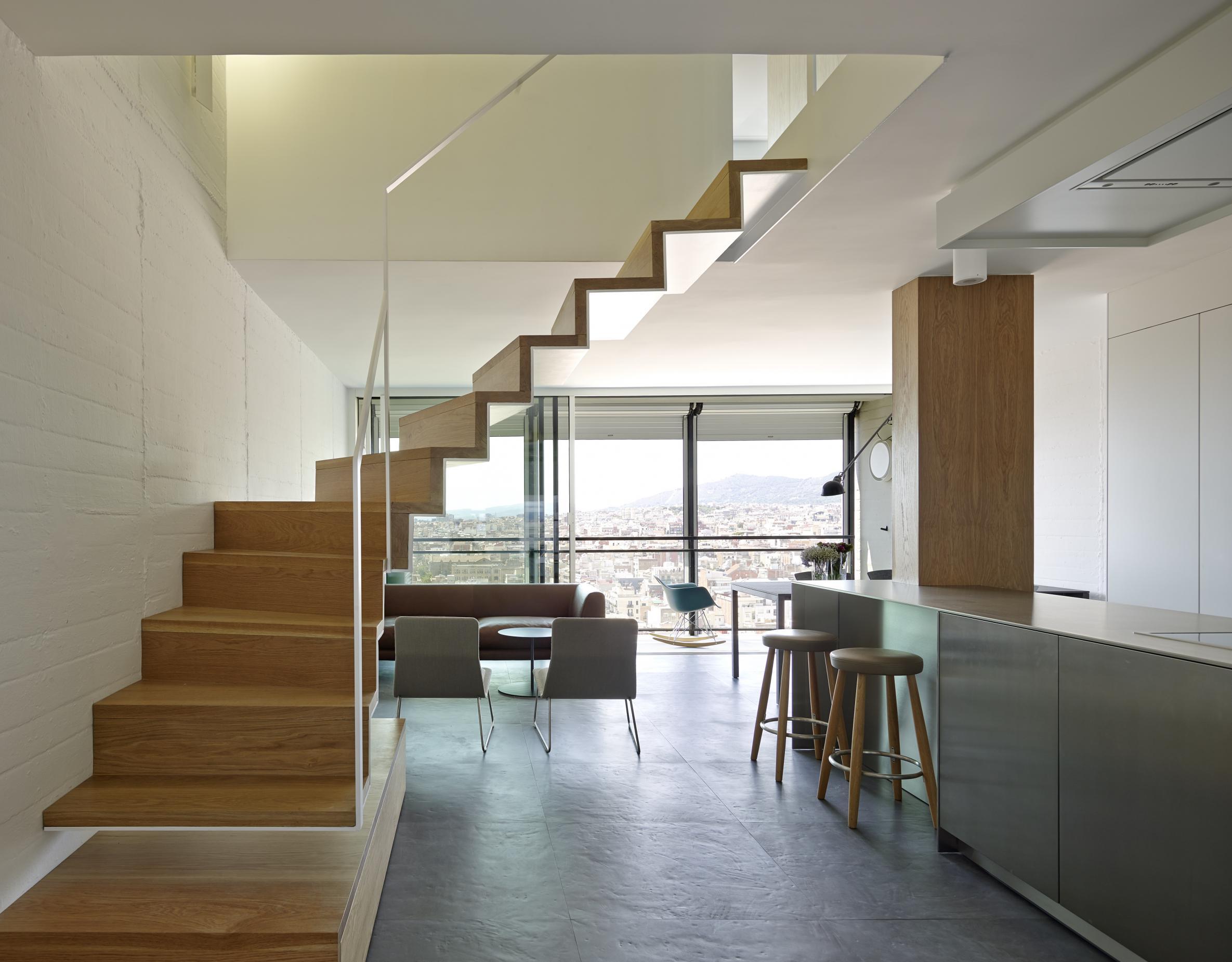 D plex abierto y funcional en gracia vilablanch estudio for Diseno apartamentos duplex pequenos