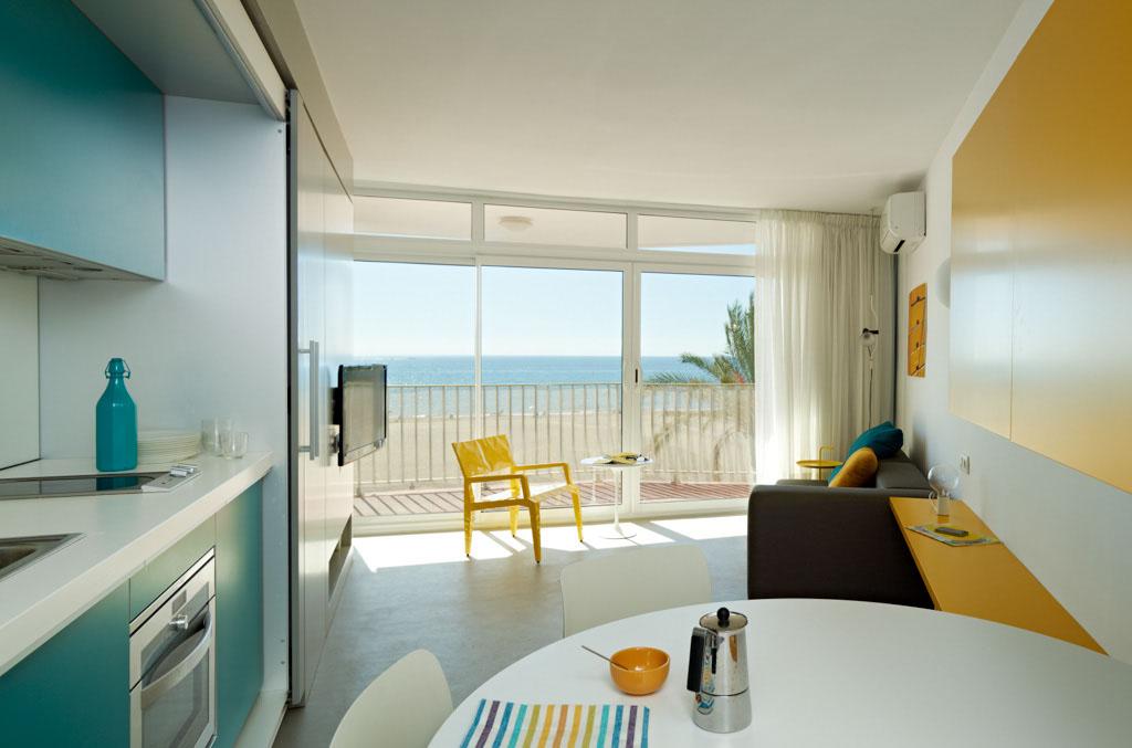 Apartamento en la playa vilablanch estudio de - Reformas de apartamentos ...