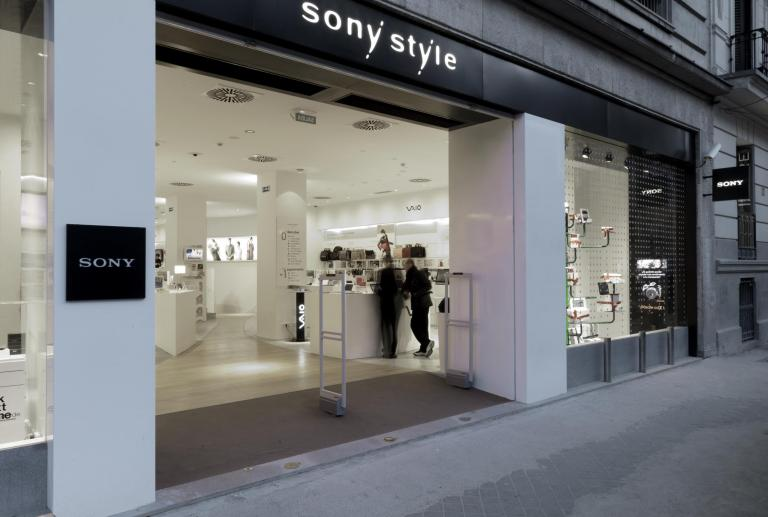 Pojecte d'interiorisme comercial a Sony Style, Madrid