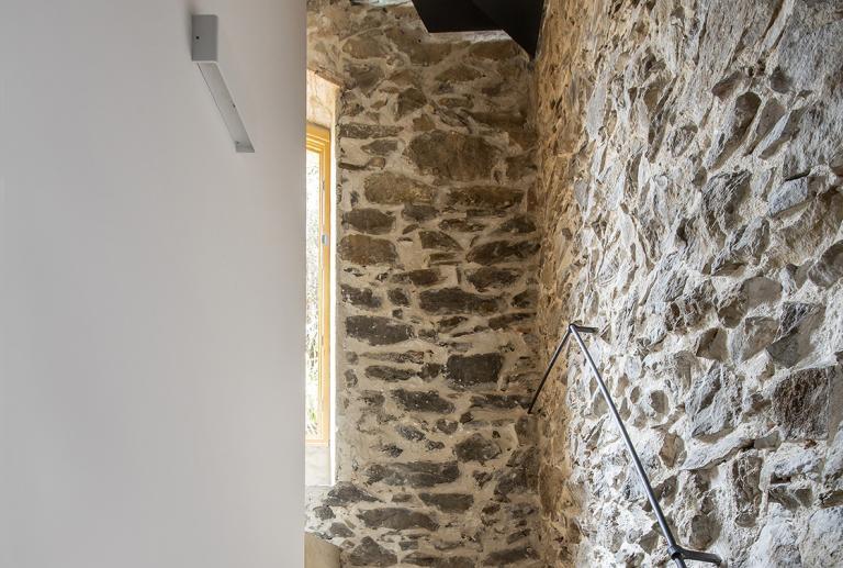 Reforma y ampliación de una casa en el Priorat