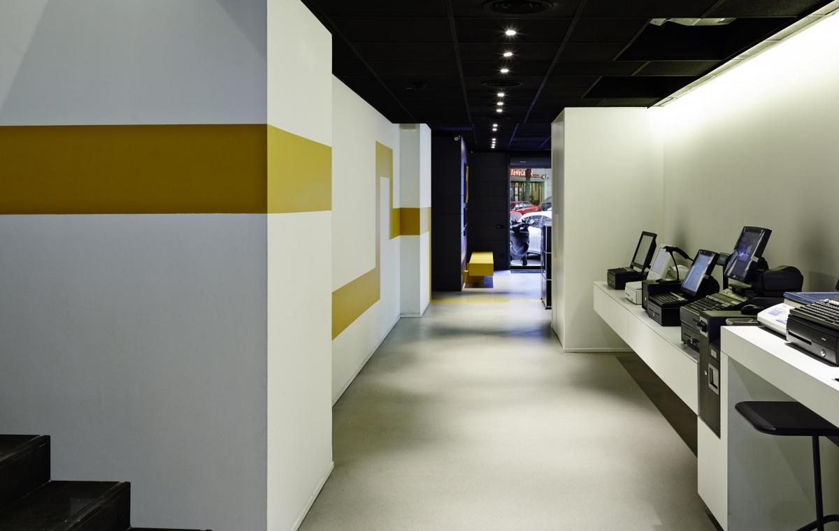 Oficines lk bitronik vilablanch estudi d 39 arquitectura for Oficina de treball barcelona