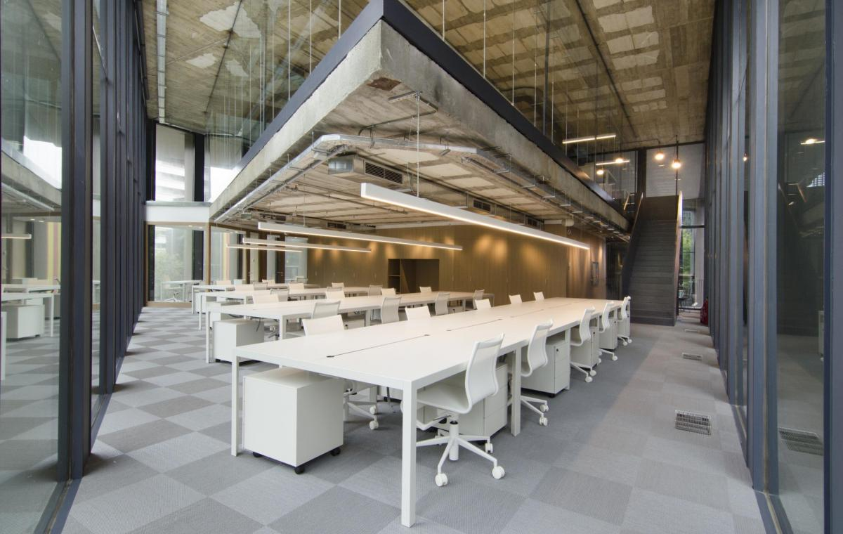 Oficinas mediapro vilablanch estudio de arquitectura for Oficines racc barcelona