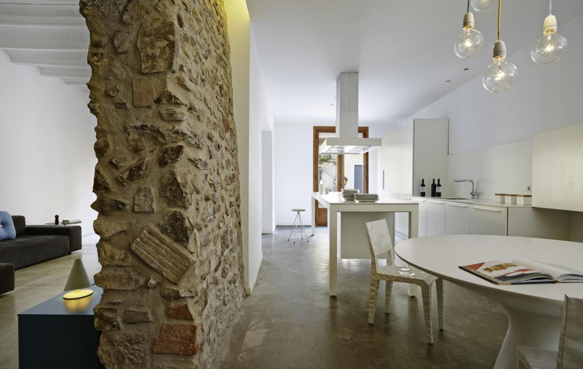 Reforma integral de una casa en falset vilablanch - Reforma integral piso antiguo ...