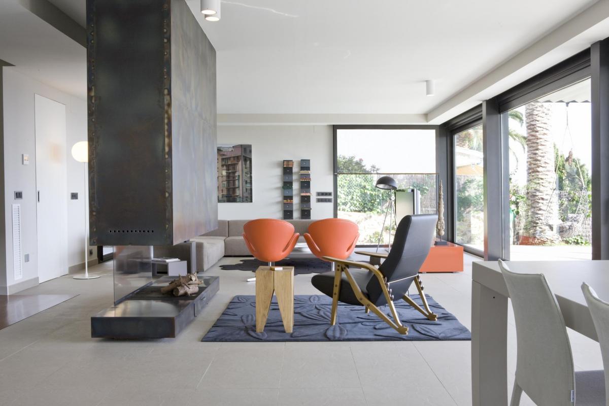 Casa abierta al paisaje en lloret de mar vilablanch for Interiorismo